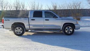 Dodge Dakota SL Pickup Truck 4X4 Drives great
