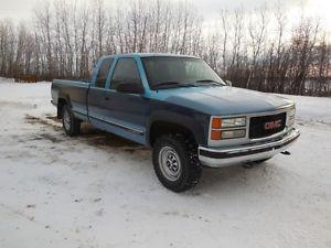GMC Sierra  SLE Pickup Truck