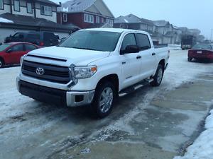 Toyota Tundra Crewmax SR5 Pickup Truck