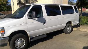 Ford E-350 full size extended cargo van