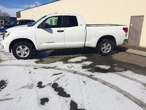 Toyota Tundra Pickup Truck