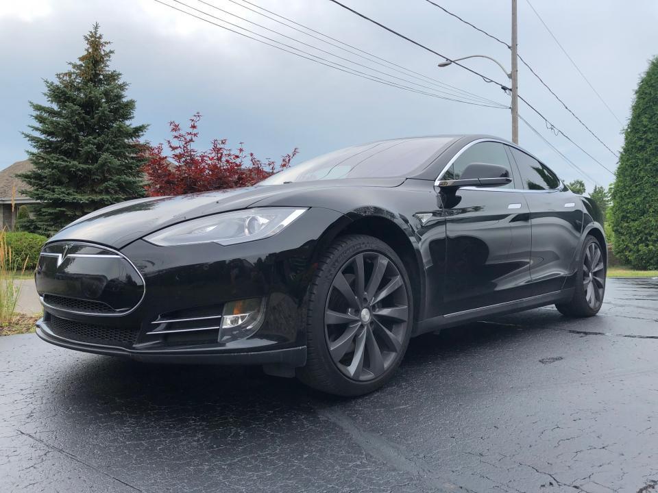 Tesla S 85
